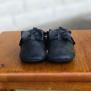 Baby black rustic bow Moccasin 3-6M